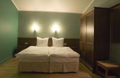 Pequeño dormitorio Imagen de archivo libre de regalías