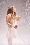 Pequeño Eve en el invierno Eden Foto de archivo