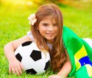 Pequeño fanático del fútbol lindo Imagen de archivo libre de regalías