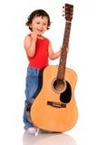 Pequeño guitarrista. fotografía de archivo libre de regalías