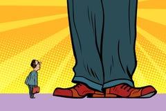 Pequeño hombre y jefe gigante libre illustration