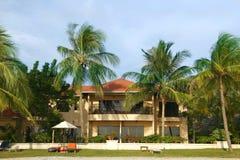 Pequeño hotel en las zonas tropicales Imágenes de archivo libres de regalías