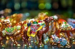 Pequeño juguete árabe colorido del camello foto de archivo