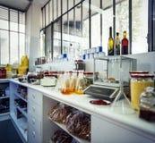 Pequeño laboratorio de productos alimenticios Imágenes de archivo libres de regalías