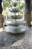 Pequeño modelo del espray de agua en los lavabos Imagen de archivo libre de regalías