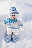 Pequeño muñeco de nieve. foto de archivo