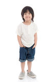 Pequeño muchacho asiático feliz en el fondo blanco imagen de archivo libre de regalías