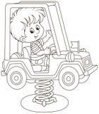Pequeño muchacho en un oscilación del coche del juguete en un patio fotos de archivo