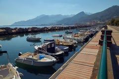 Pequeño muelle en Italia Foto de archivo libre de regalías