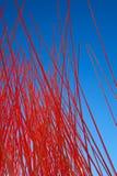 Pequeño objeto al azar rojo del arte de los polos en Oslo Imagenes de archivo