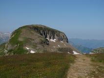 Pequeño pico de montaña único fotos de archivo