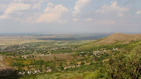 Pequeño pueblo en los Balcanes, lapso de tiempo almacen de video