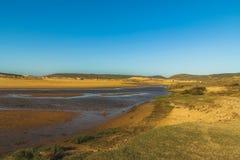 Pequeño río en Algarve fotos de archivo