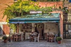 Pequeño restaurante en Venecia Fotos de archivo libres de regalías