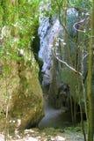 Pequeño sendero a la cueva hermosa de Phraya Nakhon Fotos de archivo libres de regalías