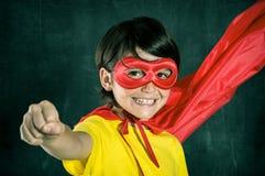 Pequeño super héroe feliz Imágenes de archivo libres de regalías