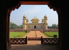 Pequeño Taj Mahal Temple, Agra visión desde la puerta Foto de archivo