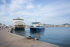 Pequeño transbordador de Aquabus a Formentera imágenes de archivo libres de regalías