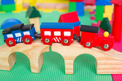 Pequeño tren colorido del juguete Fotografía de archivo