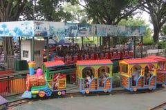Pequeño tren de Thomas en parque de atracciones de Shenzhen Foto de archivo