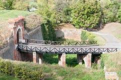 Pequeño viejo bridne en la fortaleza de Pertovaradin imagen de archivo