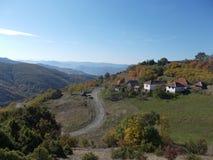 Pequeño vilage hermoso en el mountine Imagen de archivo libre de regalías