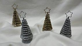 Pequeños árboles de navidad Fotos de archivo