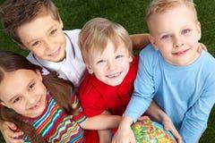 Pequeños amigos felices Fotos de archivo