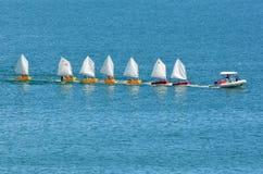 Pequeños barcos de navegación Foto de archivo libre de regalías