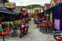 Pequeños cafés y tiendas en el tailandés Foto de archivo libre de regalías