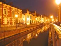 Pequeños canales en la ciudad Foto de archivo libre de regalías