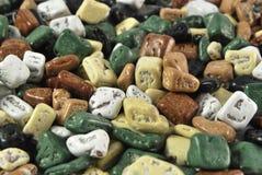 Pequeños caramelos coloreados Foto de archivo