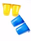 Pequeños envases del yogur imagen de archivo libre de regalías