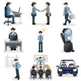 Pequeños hombres de negocios de los iconos en diversa situación Foto de archivo