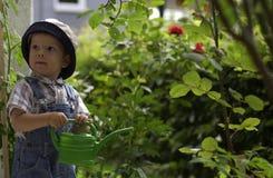 Pequeños jardineros. Foto de archivo libre de regalías