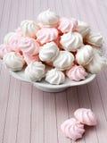 Pequeños merengues espirales Fotos de archivo libres de regalías