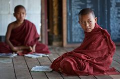 Pequeños monjes budistas Fotografía de archivo libre de regalías