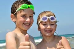 Pequeños nadadores fotos de archivo