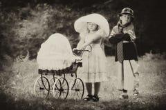 Pequeños padres Foto de archivo