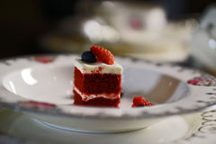 Pequeños pedazos de torta de la baya Fotos de archivo