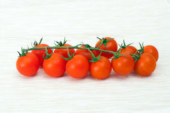 Pequeños tomates en una servilleta Fotografía de archivo libre de regalías