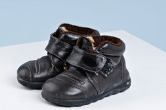 Pequeños zapatos Fotos de archivo libres de regalías