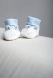 Pequeños zapatos Fotos de archivo