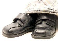 Pequeños zapatos y sombrero Fotografía de archivo