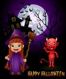 Pequeña historieta de la bruja que detiene la escoba y al diablo rojo en fondo frecuentado del castillo Foto de archivo libre de regalías