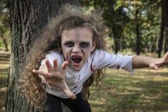 Pequeña muchacha del zombi Foto de archivo libre de regalías