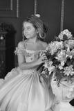 Pequeña princesa de la foto monocromática del vintage Foto de archivo libre de regalías