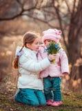 Pequeñas hermanas Fotografía de archivo