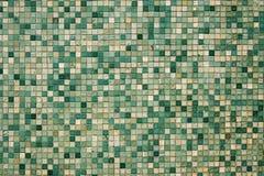 Pequeñas tejas de mosaico verdes Foto de archivo libre de regalías