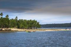 Pequeno à área de doca média do barco do penhasco de Sabang em Kaputian Samal Imagem de Stock Royalty Free